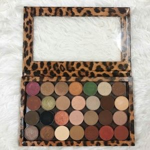 MAC Z palette with 28 Eyeshadows